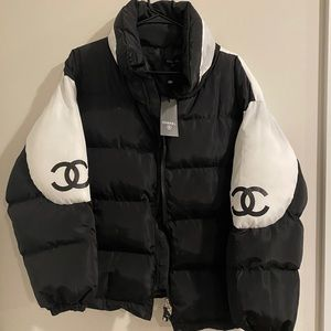 Black and white puffer jacket NWT
